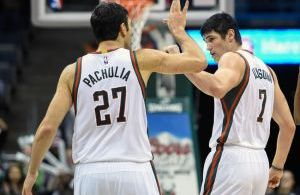 Credit: Benny Sieu/USA Today Sports ... Zaza Pachulia's double double helped Milwaukee pick up their 6th win on the year