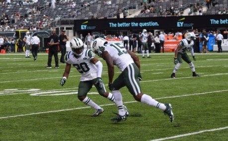 (Photo Credit: Barry Holmes) Marshall and Williams pictured warming up Sunday afternoon.