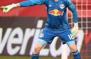 Goalkeeper Ryan Meara sets up his defense during last nights 0-0 draw against Philadelphia