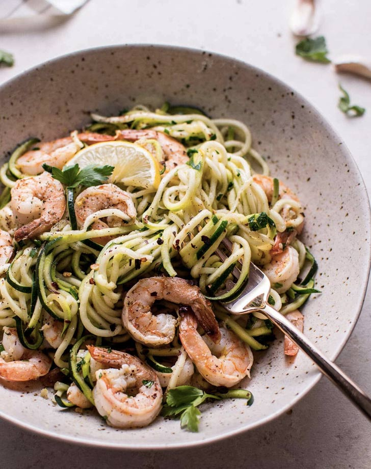 15 minute garlic shrimp zoodles recipe