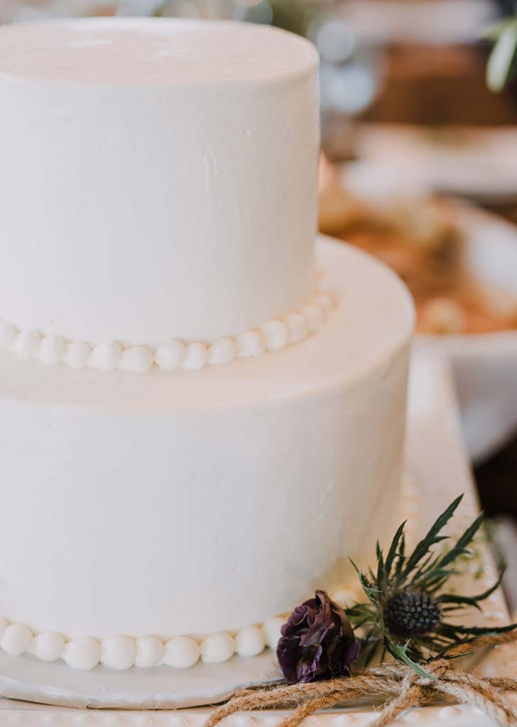 beaded trim wedding cake trend 728