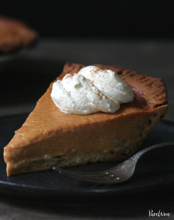 pumpkin pie cinnamon roll pie crust