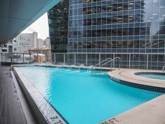 Pool im Shangri-La Hotel, Vancouver