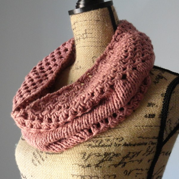 Irish Mesh Cowl Tea Rose 2 - Purl Avenue