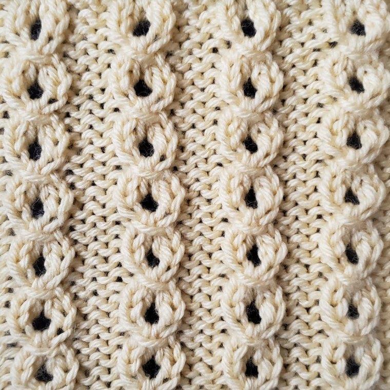 Tiny Eyelet Cables Stitch