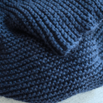 Beginner knit scarf, free easy knitting pattern from PurlsAndPixels