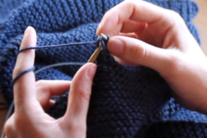 How to bind off knitting, taking stitches off knitting needles
