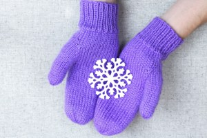 Simple basic knit mittens, vibrant solid color mittens, knitting pattern designed by PurlsAndPixels