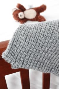Free baby blanket knitting pattern from Liz @PurlsAndPixels