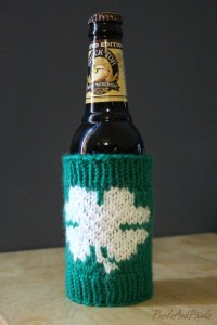 Lucky clover beer bottle cozy, free knitting pattern for St. Patrick's day designed by Liz @PurlsAndPixels