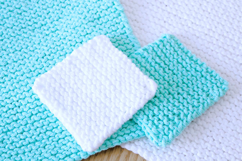 Free Beginner Face Scrubby knitting pattern from Liz @PurlsAndPixels