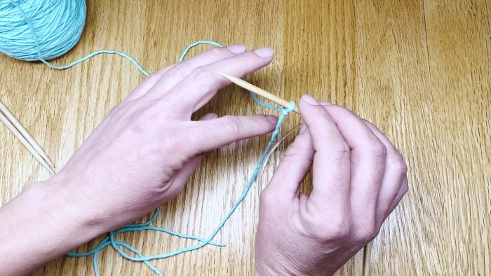 Step 3: Learn to cast on your first knit stitches. Putting yarn onto knitting needles for beginners with Liz @PurlsAndPixels.