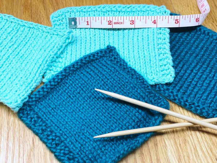 How to make and measure a gauge swatch -  a knitting lesson from Liz Chandler @PurlsAndPixels.