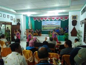 Pementasan tari menyambut Sri Paduka Mangkunegoro IX beserta keluarga