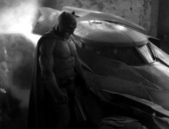 E esse é o Batmóvel e BEN AFFLECK COMO BATMAN