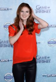 rose-leslie-at-game-of-thrones-fourth-season-premiere-in-london_6
