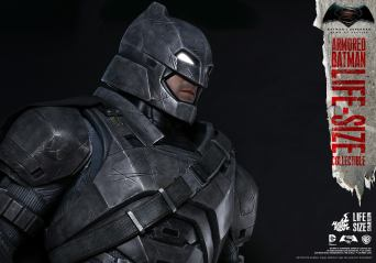 Batman Hot Toys (7)