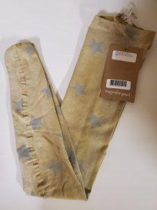 Magnolia Pearl Socks 043 in Willies in Illuminate