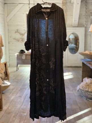 Magnolia Pearl Demi Handwork Dress 692 -- Midnight