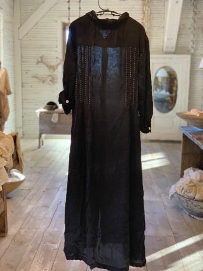 Magnolia Pearl Demi Handwork Dress 692 -- Midnight