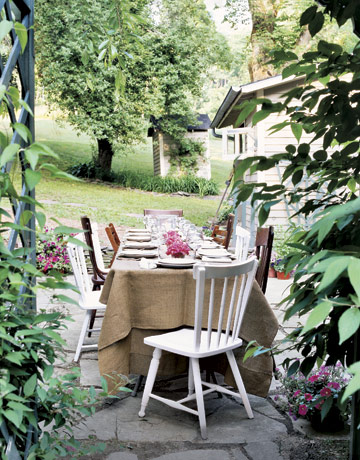 Backyard Table Setting