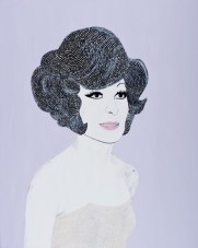 Portrait of a woman with a light creme dress and a lilac background.