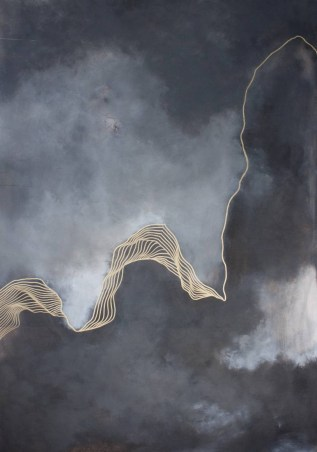 Abstract painting of fluid golden lines over a foggy background.