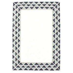 Triangle Pattern Monochrome Mirror