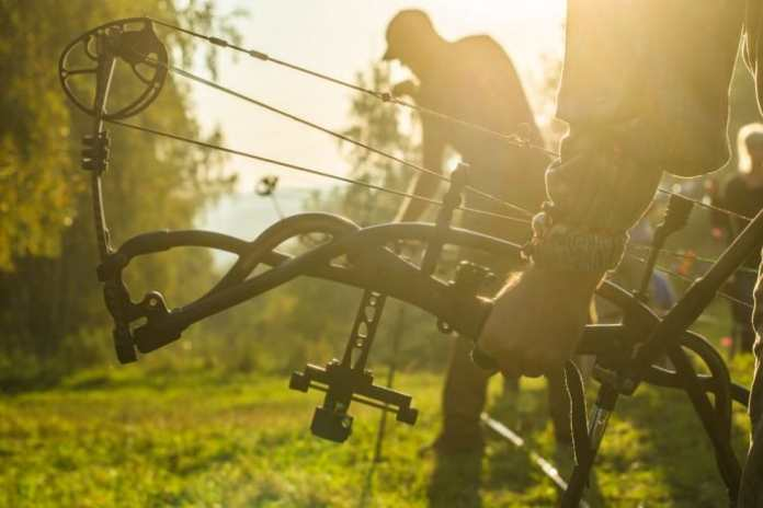 Aim A Compound Bow Without A Sight