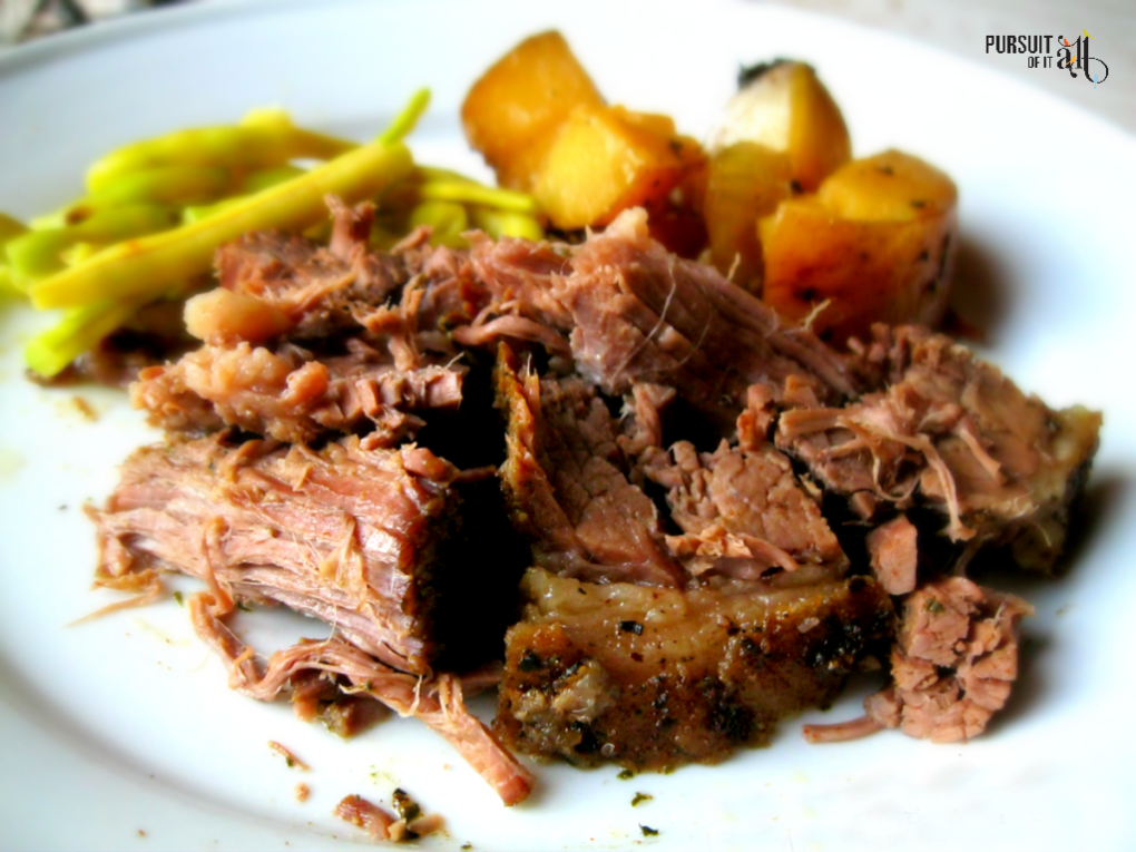A slow cooker beef roast dinner that's ready to devour when you get home from work? Yes!