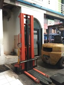jual-hand-stacker-semi-electric (2)
