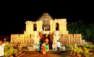 Konarak sun temple at night