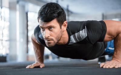 Muscler ses pectoraux avec les pompes