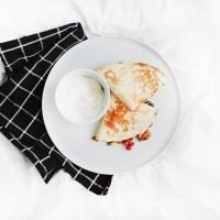 Pusryčių kesadilijos su plaktu kiaušiniu