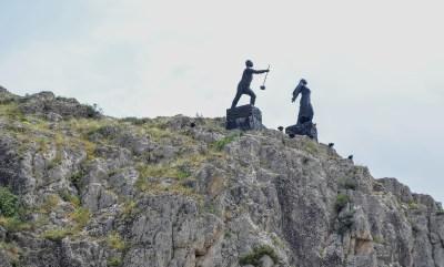 Ferhat ile Şirin'in heykelleri Amasya'da