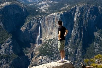 En haut du Sentinel Dome, vue sur Yosemite Falls