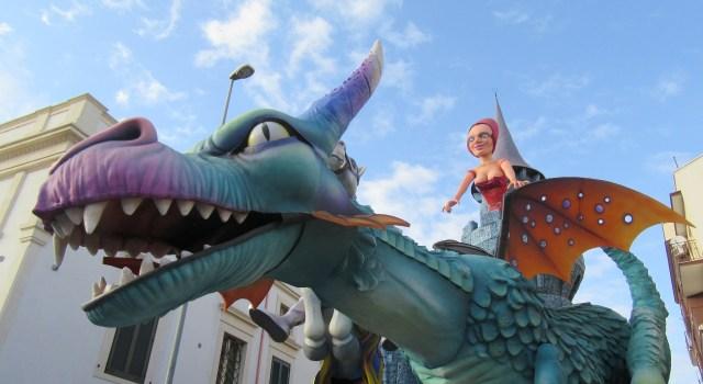 La terza sfilata del Carnevale di Putignano (scene)
