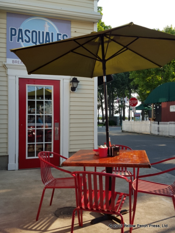Pasquales Put in Bay dining