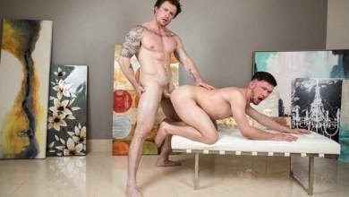 Photo of Erotic Art – Markie More gozando em Mikey Junior – NextDoorRaw