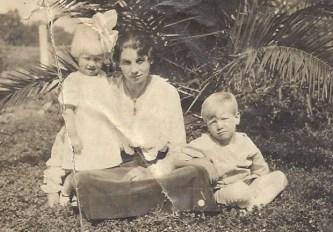 Eunice, Aunt Lena and Lloyd Putnam about 1917