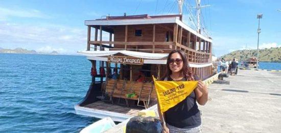 Paket Tour Sewa Kapal Phinisi Charter Boat Maipa Deapati Komodo