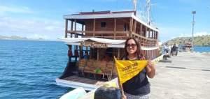 Sewa Kapal Phinisi Charter Boat Maipa Deapati