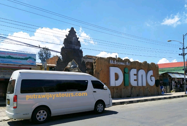 Sewa Mobil Hiace di Purwokerto Banyumas Magelang