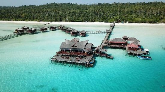 Paket Tour Wisata Maratua Derawan Kalimantan