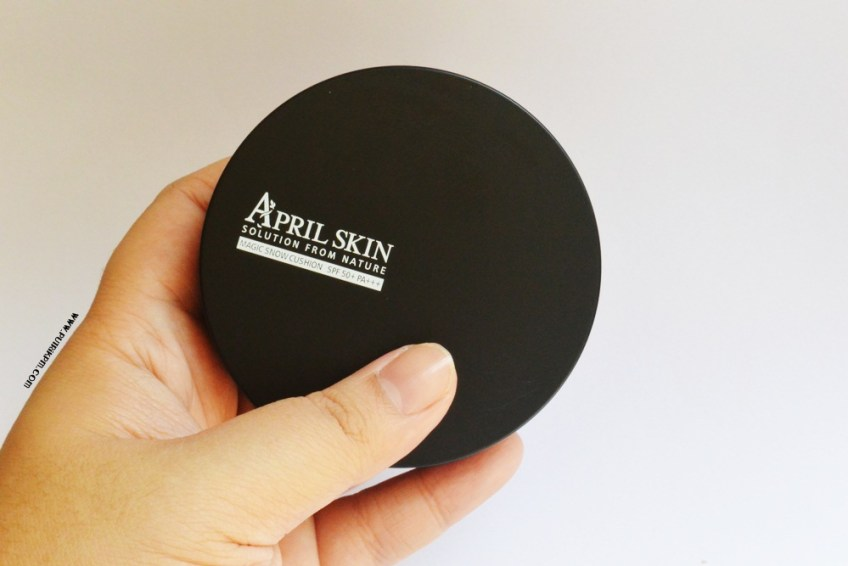 April Skin Magic Snow Cushion Review For Oily Skin 4
