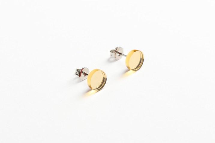 Kira Yurina, earrings – acrylic mirror, wood, resin