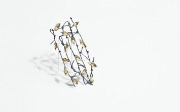 Paula Treimane, piespraude - oksidēts sudrabs, bronza