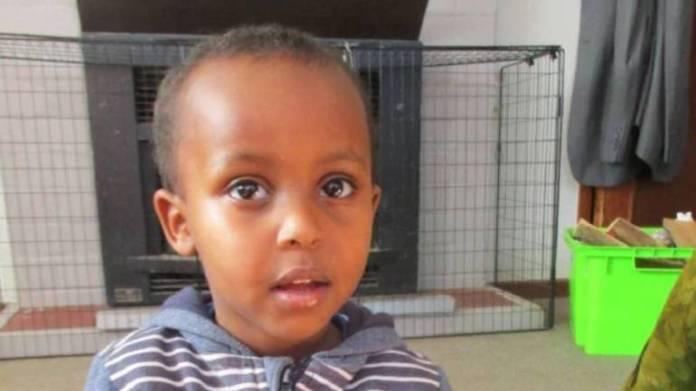 Prvo ime koje se spominje je ono koje je pripadalo najmlađoj žrtvi masakra, trogodišnjem Mucadu Ibrahimu