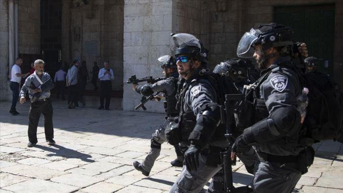 Izraelska policija u Al-Aksi