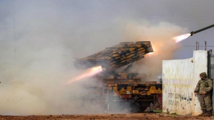 Sirijski opozicionari ispaljuju projektile